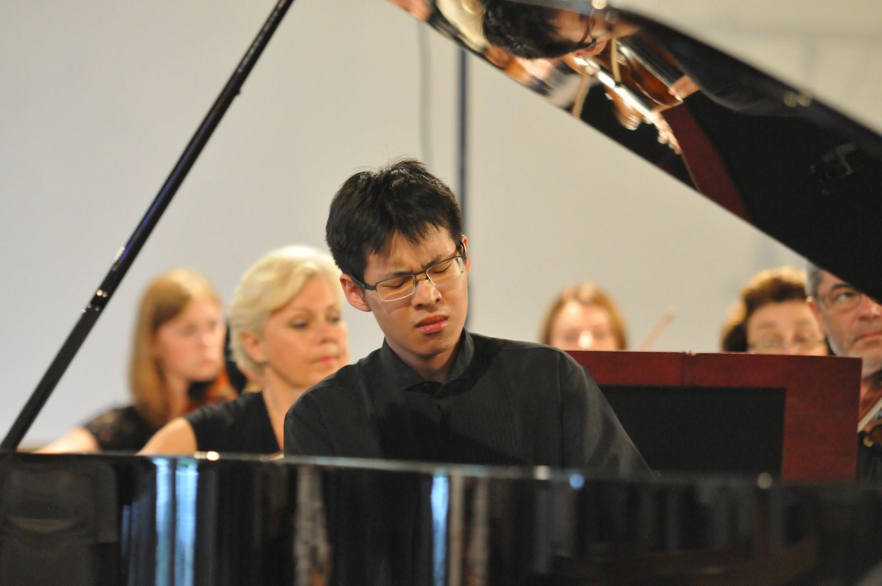 Liu Tianyuan Chopin Concerto No.2.jpeg